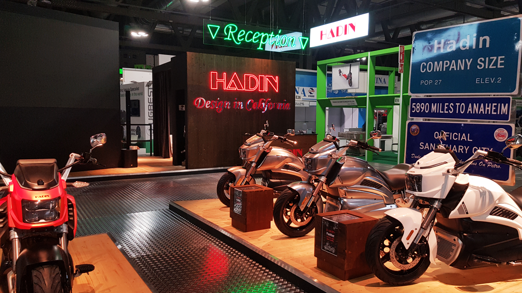 HADIN-stand-EICMA-expo-2019-design-connectdesign-agency-milano-tradeshow-fiere-allestimento-1